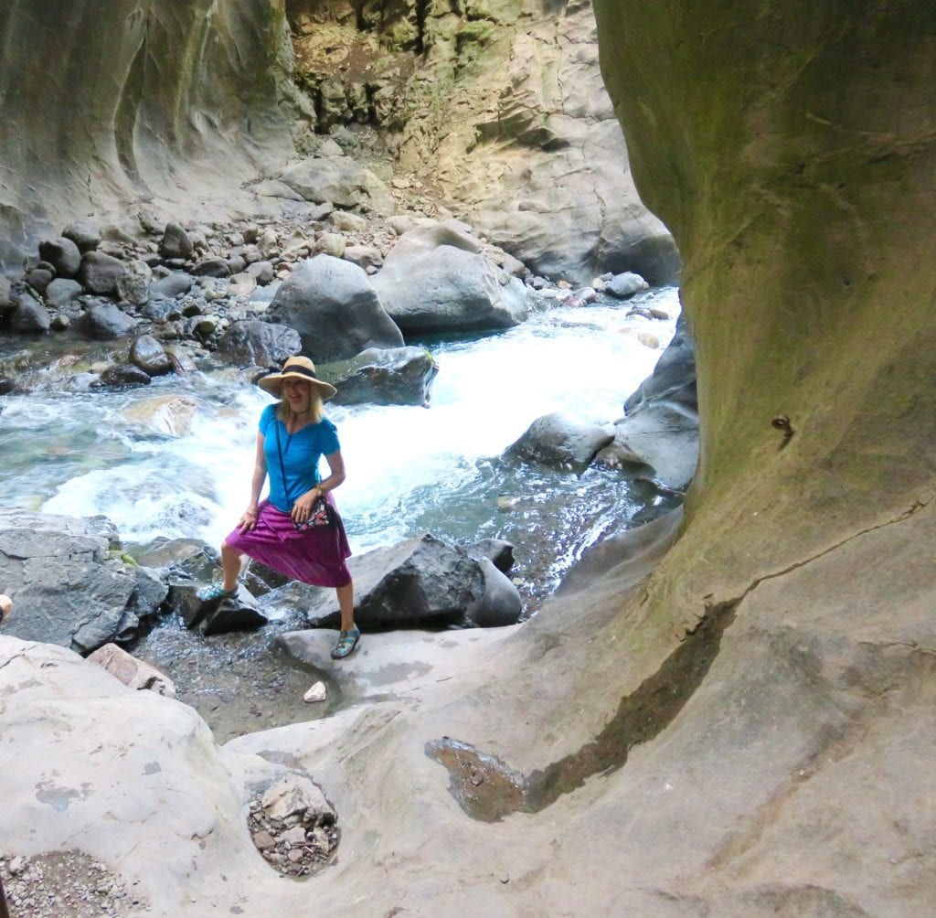 Cool Places In Colorado: Box Canyon Falls A Beautiful Hike In Ouray Colorado