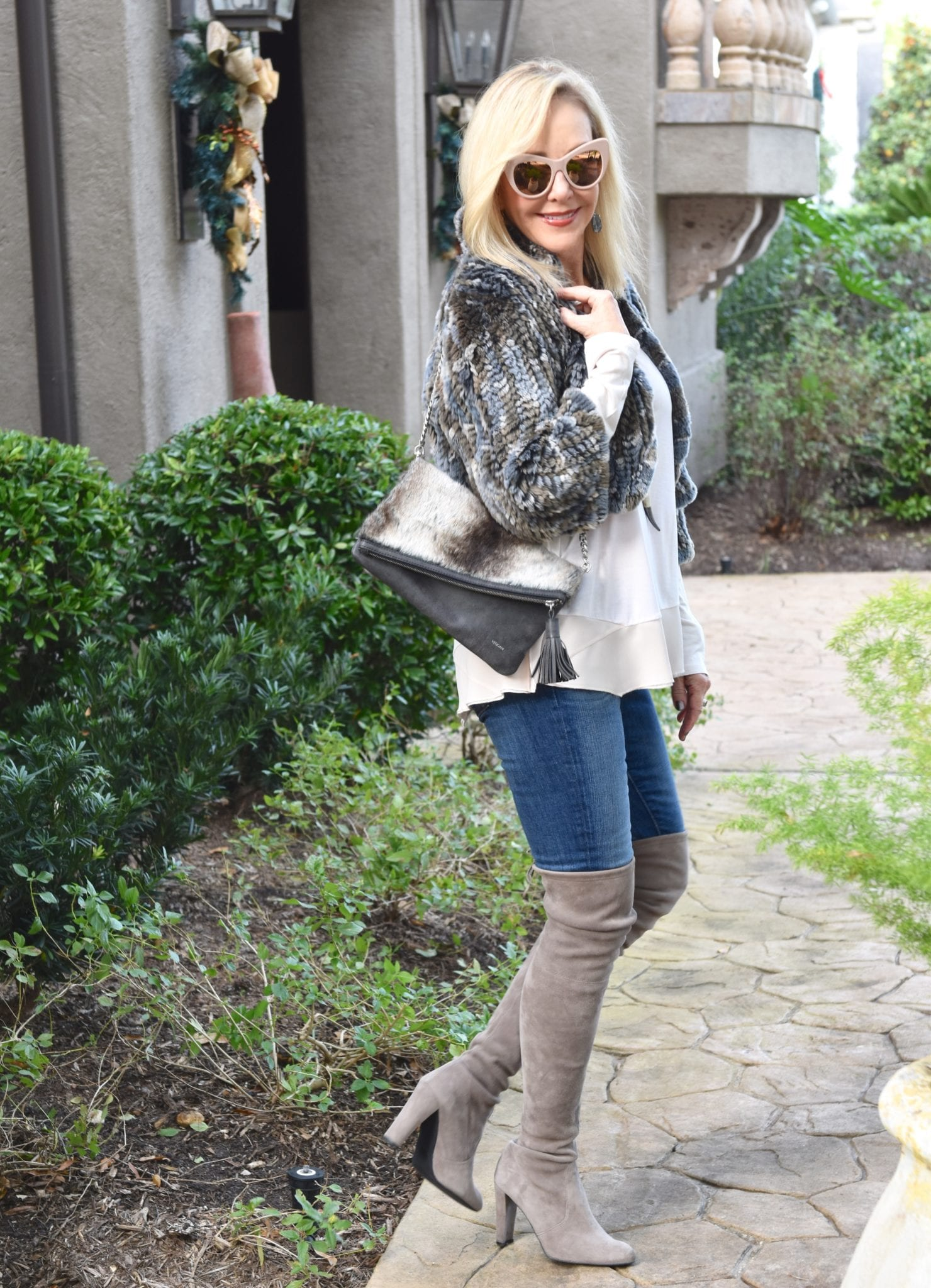 60bae278a9c 4 Tips  How To Wear Over The Knee Boots Over 40 - SheShe Show