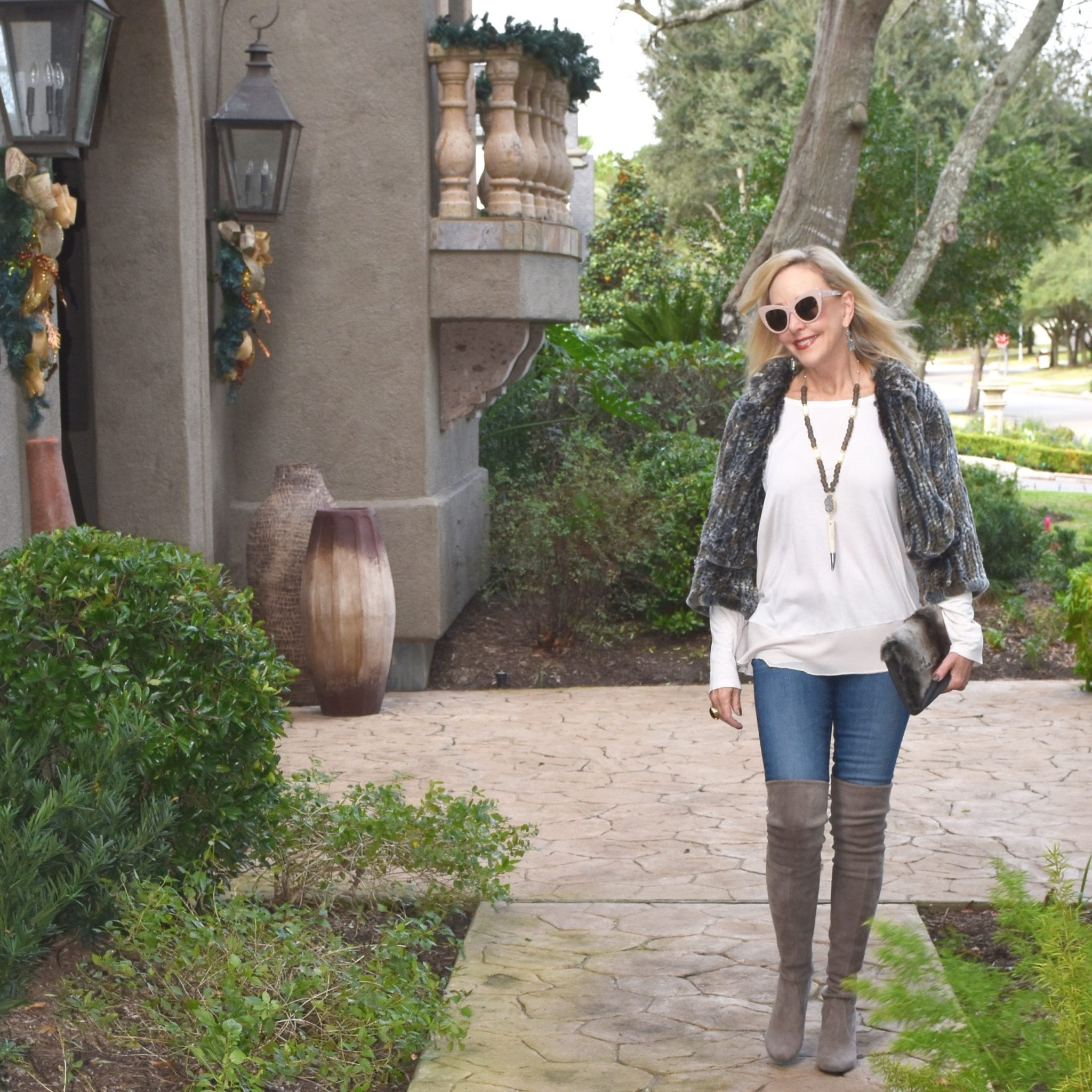 37dc9fc812a7 4 Tips  How To Wear Over The Knee Boots Over 40 - SheShe Show