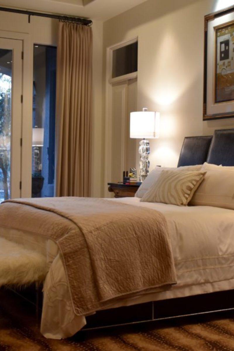 bedroom, master bedroom, bed, bedding, pillows, lamps, crystal lamps, headbord,