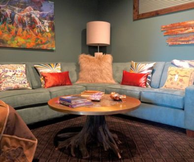 How to Decorate a Mountain Modern TV Room, sectional