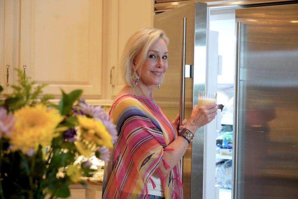 Sheree of the SheShe Show making Betty Crocker Dessert Treats