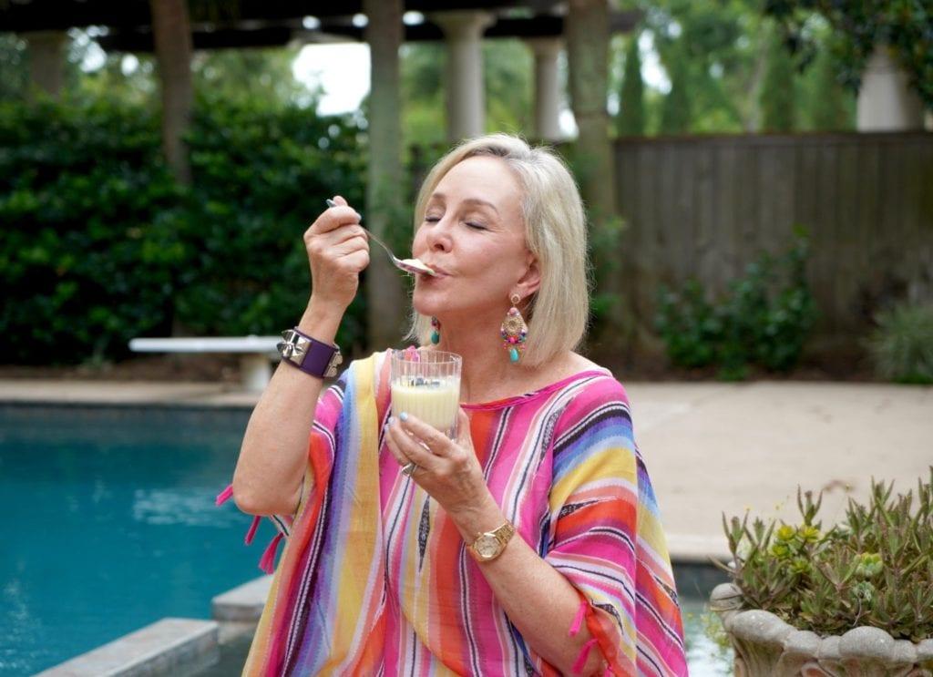 Sheree of the SheShe Show tasting Betty Crocker Dessert Treats