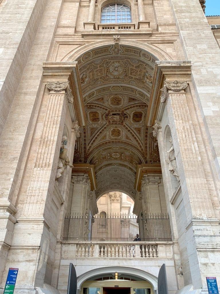Vatican port a cachet