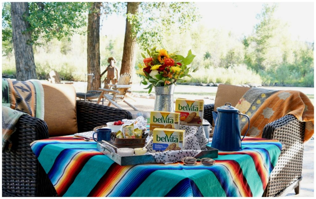 Breakfast tablescape outdoor pation