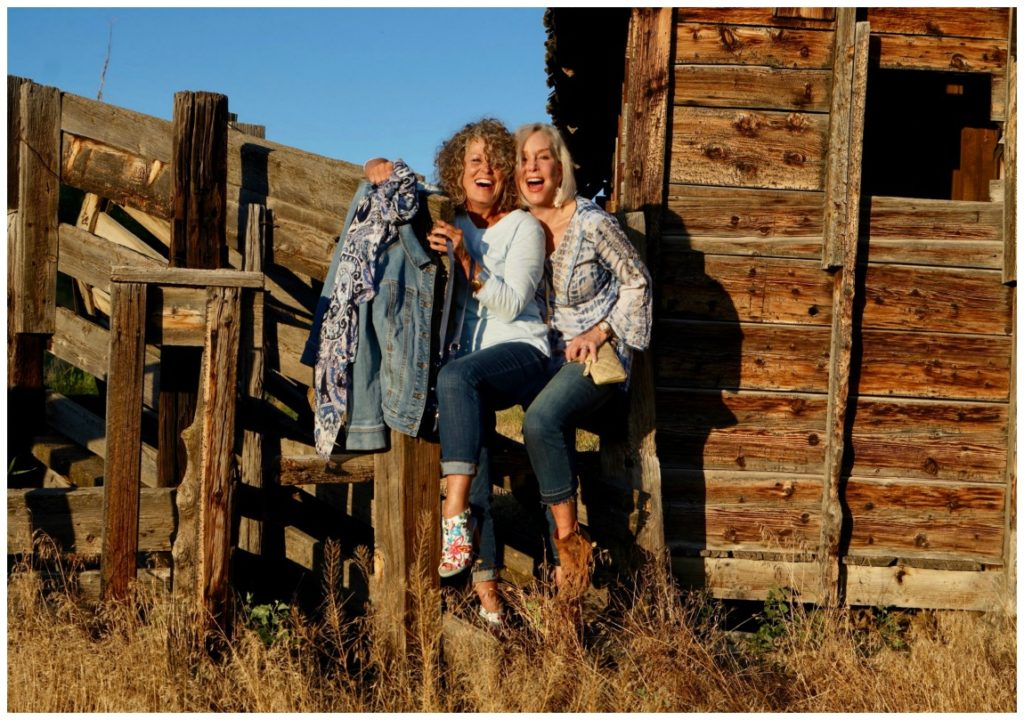 Sheree fo the SheShe Show with friend ruthie by old barn