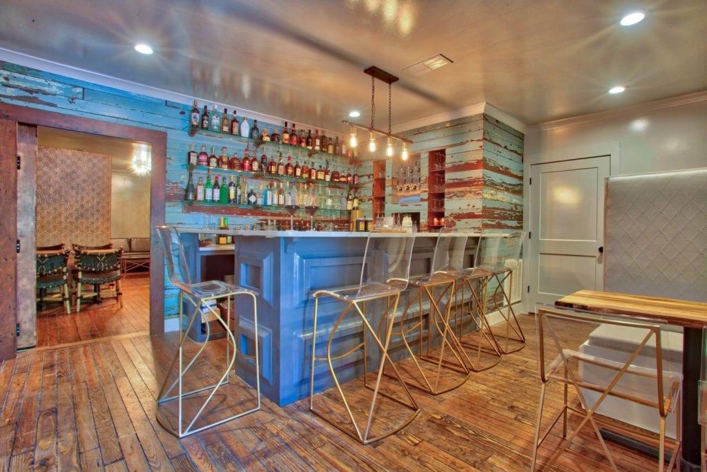 Wilbur+Bar+from+doorway