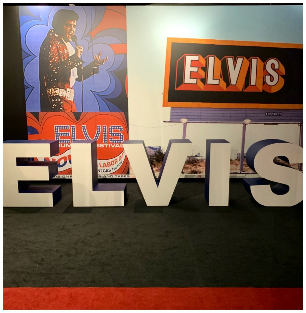 Elvis sign at Graceland